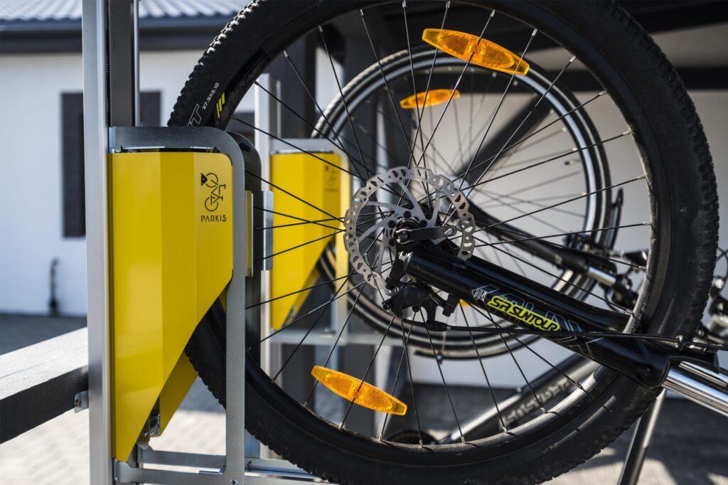 PARKIS - der vertikale Fahrradlift verfügt über ein edles Design